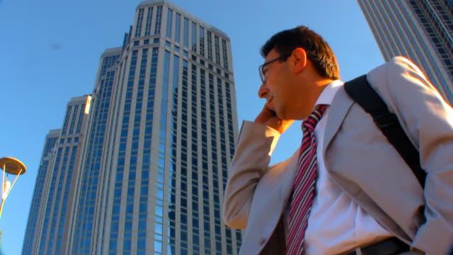 business an - kompletter anzug stock-videos und b-roll-filmmaterial