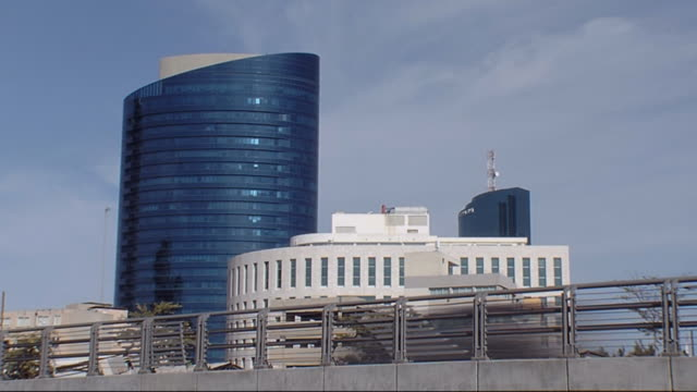 business-center in der stadt - tel aviv stock-videos und b-roll-filmmaterial