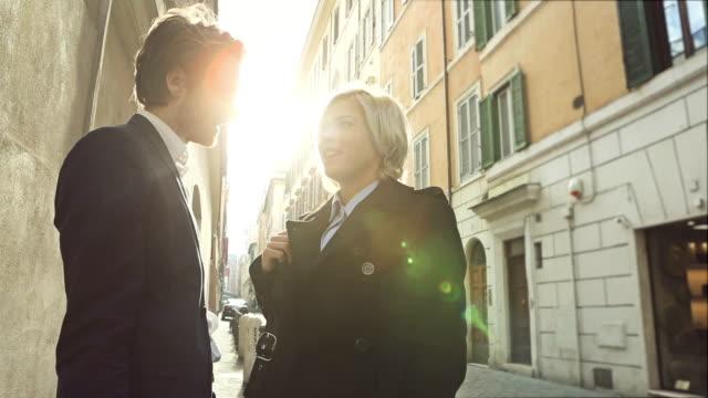 ローマのビジネスのカップル - ラツィオ州点の映像素材/bロール