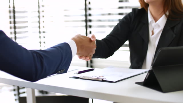 business deal, agreement - lavoro e impiego video stock e b–roll