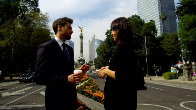 vídeos de stock, filmes e b-roll de negócios na cidade do méxico - monumento da independência paseo de la reforma