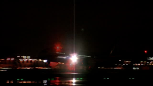 business leaders call for night flights into london's airports to be protected lib / tx boeing 787 dreamliner plane coming into land - boeing 787 stock videos and b-roll footage