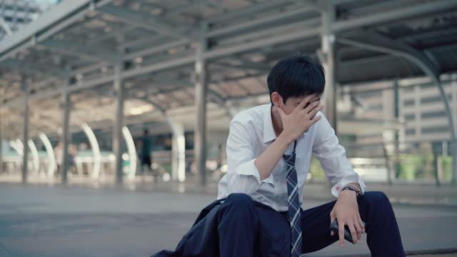 affärsmän avskedade från jobbet - thailändskt ursprung bildbanksvideor och videomaterial från bakom kulisserna
