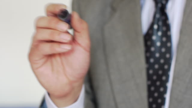 ビジネスの男性の作成 - 空白点の映像素材/bロール