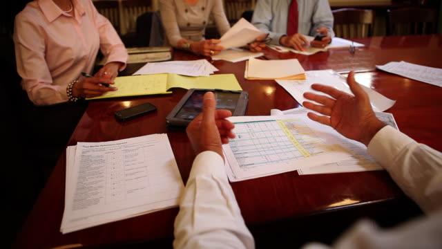 vídeos y material grabado en eventos de stock de ms business meeting / los angeles, ca, united states - hoja de cálculo electrónica