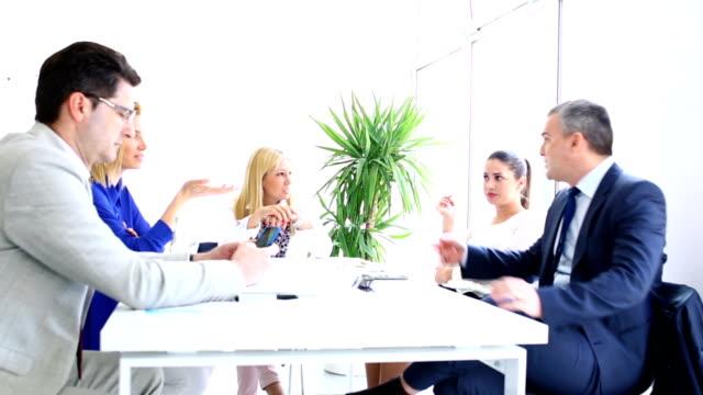 vidéos et rushes de réunion d'affaires. - graphisme
