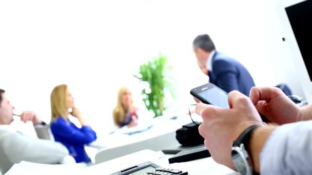 vidéos et rushes de réunion d'affaires. - réunion du personnel