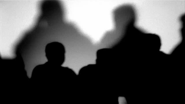 business meeting - in silhouette点の映像素材/bロール