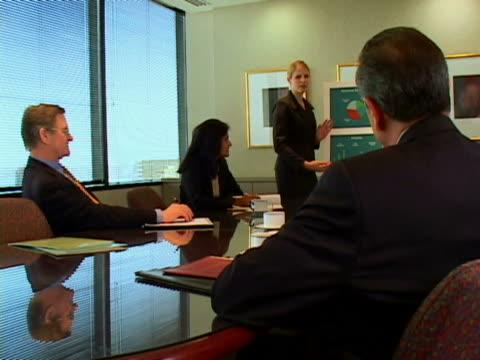 vídeos y material grabado en eventos de stock de business meeting - traje corbata