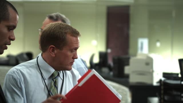 stockvideo's en b-roll-footage met ms business people at work, dallas, texas, usa - overhemd en stropdas