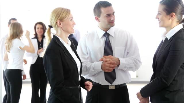business people discussing. - skjorta och slips bildbanksvideor och videomaterial från bakom kulisserna