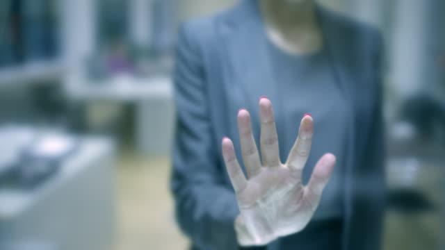 Business mensen Hand aanraken Tablet computerscherm kopie ruimte. Ondiepe DOF.