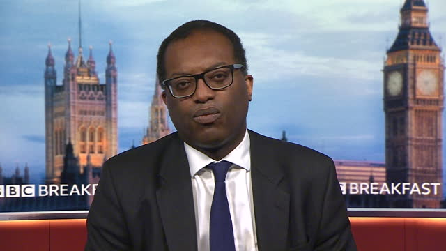 """business secretary kwasi kwarteng saying the government are always """"reviewing the data"""" to see if the full relaxation of coronavirus restrictions can... - decisions stock videos & royalty-free footage"""