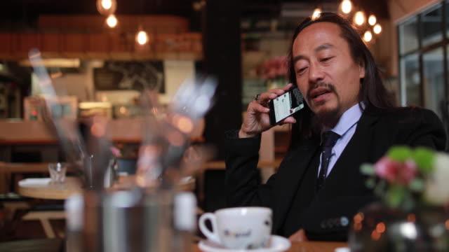 vídeos de stock, filmes e b-roll de conversa de negócios - neckwear