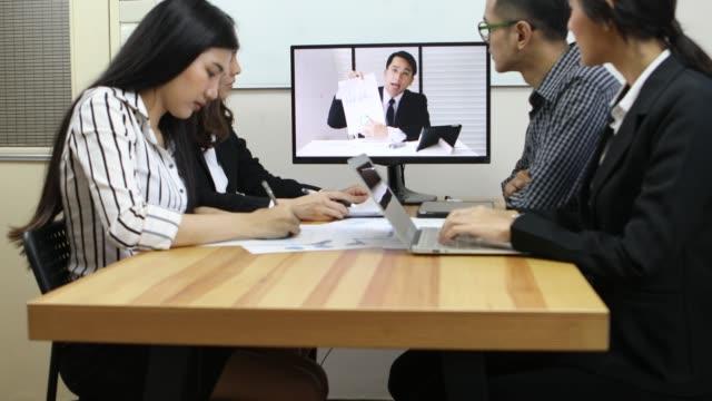 ビデオ会議で事業チーム - 代表点の映像素材/bロール