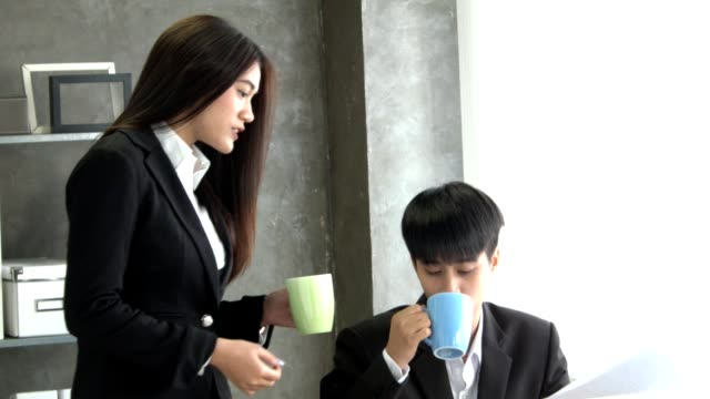 business woman drink coffee when working - coffee drink stock videos & royalty-free footage