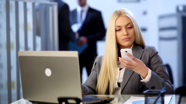 business woman on telephone - blonde hair stock videos and b-roll footage