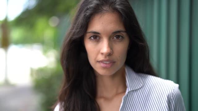 business woman portrait outdoors - pardo brazilian stock videos & royalty-free footage