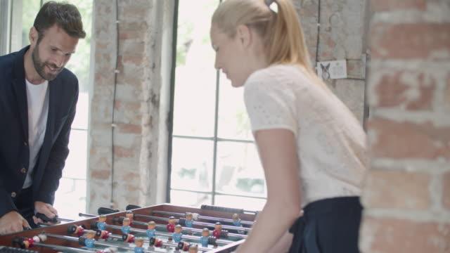 vidéos et rushes de espace affaires-coworking - faire une pause