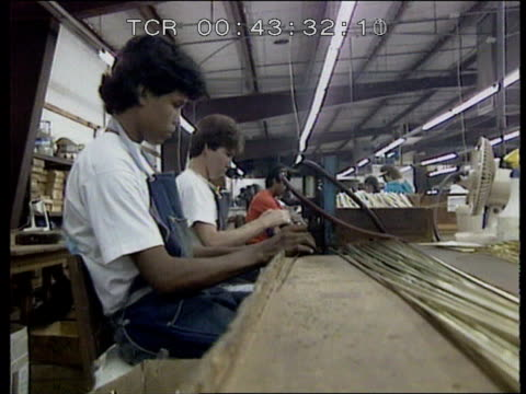 us businesses in mexico **time intvw female worker on her pay stacked lamps crick i/c intvw anya rodriguez tiffany lamps assembled intvw male worker... - 掘建て小屋点の映像素材/bロール