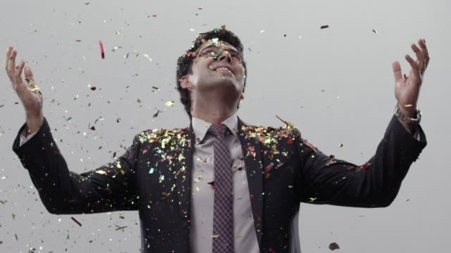 vidéos et rushes de businessman celebrating success - performance
