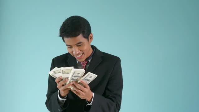 Zählen von Geld Geschäftsmann Bar