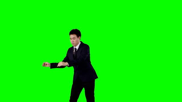 vídeos de stock, filmes e b-roll de empresário de dançar. louca pausa no trabalho. tela verde com alfa - figura para recortar