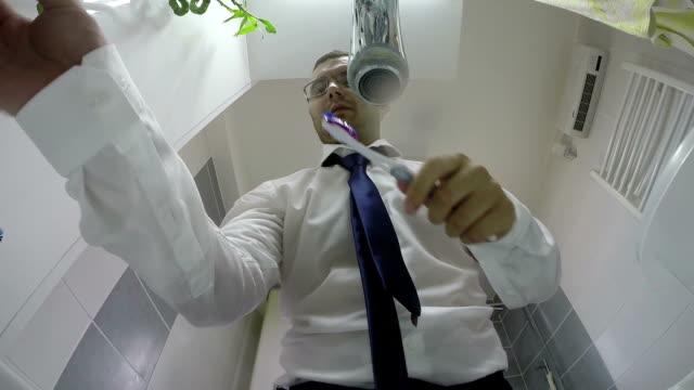 vídeos de stock, filmes e b-roll de empresário molho de trabalho - shirt and tie