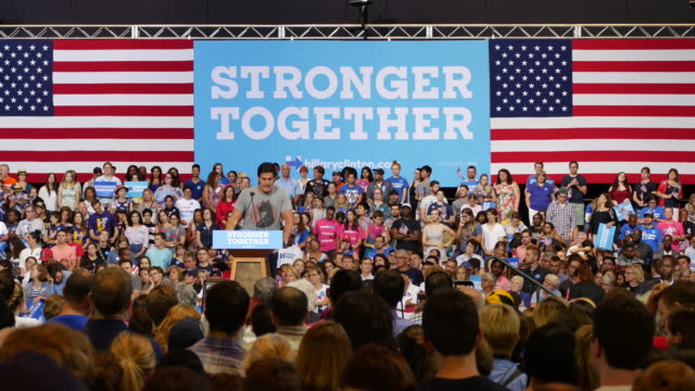 businessman mark cuban speaks in support of hillary clinton during her 2016 presidential campaign stop in pittsburgh, pennsylvania at the convention... - ペンシルベニア州点の映像素材/bロール