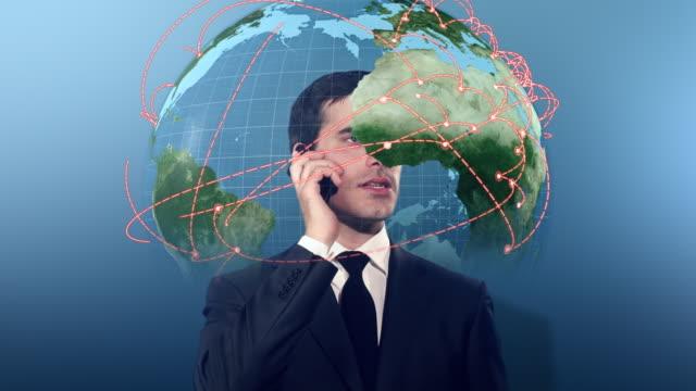 Geschäftsmann am Telefon, umgeben von 3D-earth globe