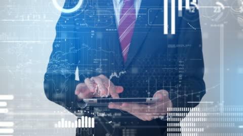 vídeos y material grabado en eventos de stock de hombre de negocios trabajando con interfaz de tecnología - holograma