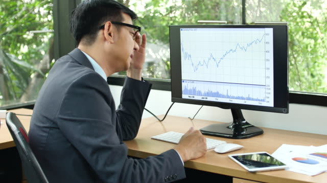 businessman working serious - affranto video stock e b–roll