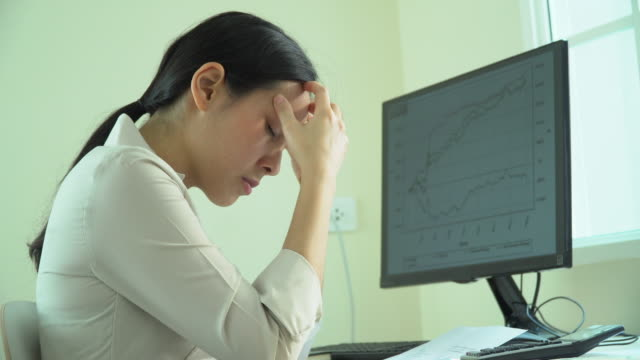 businesswoman  emotional stress - frustration asian failure stock videos & royalty-free footage