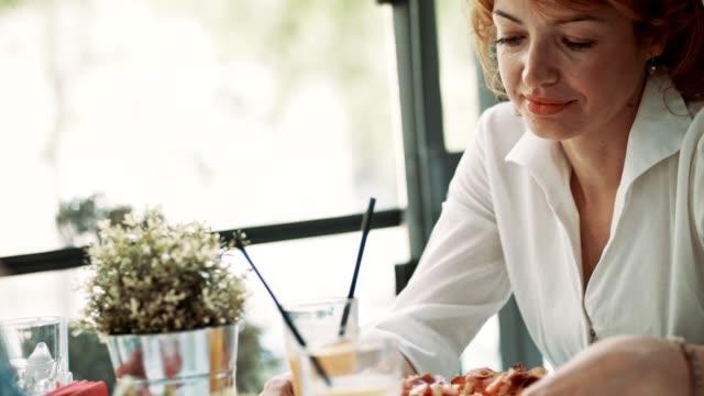 Businesswoman on a lunch break