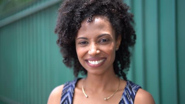 businesswoman portrait outdoors - pardo brazilian stock videos & royalty-free footage