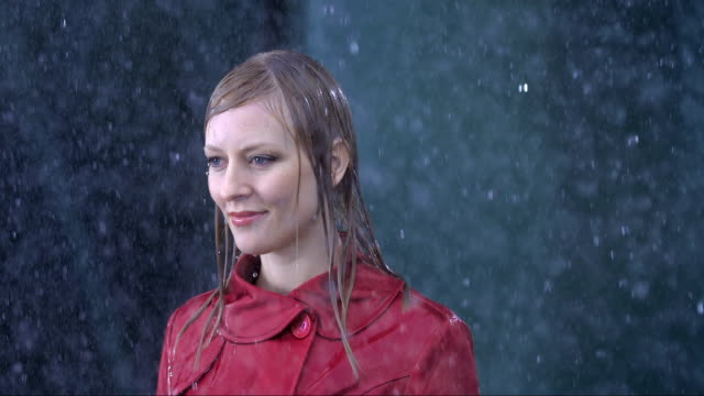 businesswoman standing in the rain - stand stock videos & royalty-free footage