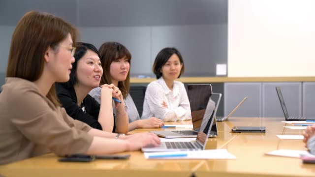 businesswomen in a meeting - japanese culture stock videos & royalty-free footage