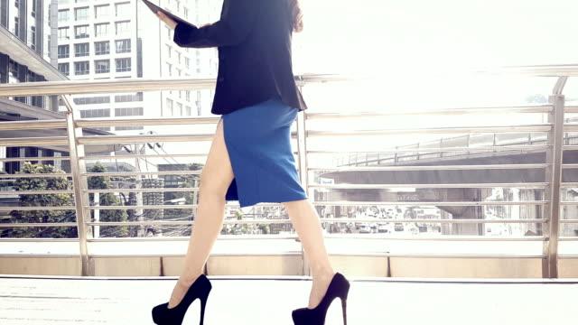 businesswomen walking - high heels stock videos & royalty-free footage