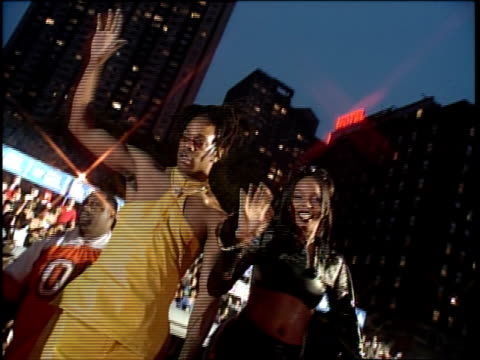 stockvideo's en b-roll-footage met busta rhymes is attending the 1999 mtv video music awards - 1999
