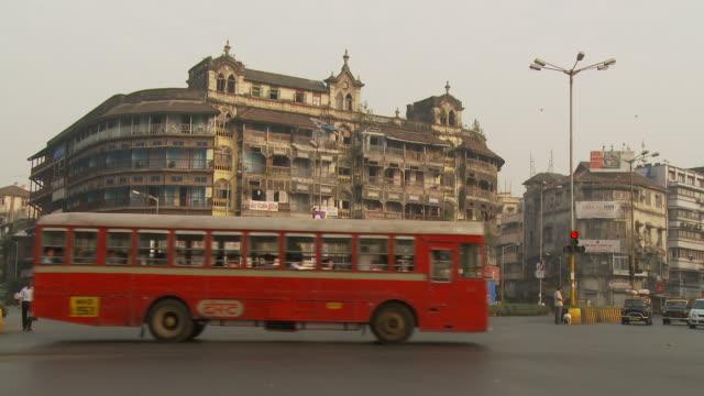 ws busu street / mumbai, india - mumbai stock videos & royalty-free footage