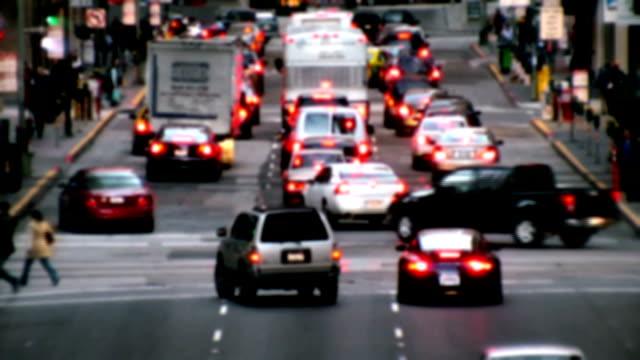 stockvideo's en b-roll-footage met busy city traffic hd - gewicht fysieke beschrijving