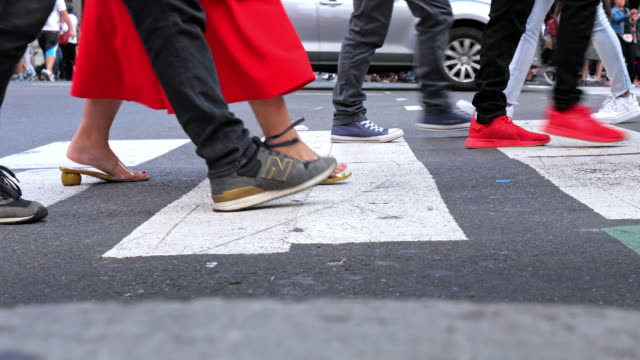 busy crosswalk at time square, new york usa - pedestrian stock videos & royalty-free footage
