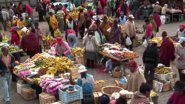 WS HA Busy fruit market / Zumbahua, Ecuador