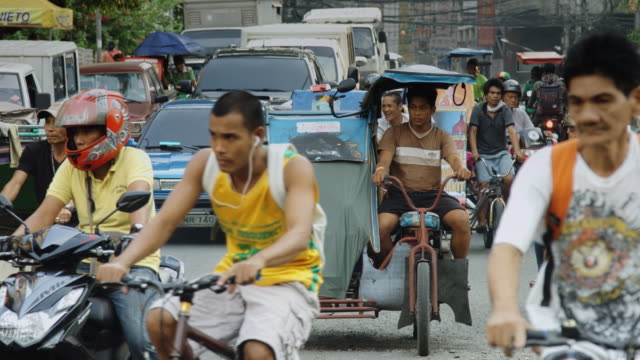 busy manila traffic - filippine video stock e b–roll