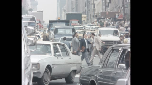 1985 nyc - busy midtown traffic - busy stock videos & royalty-free footage