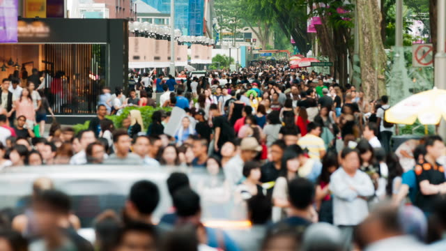 Busy Orchard Road scene