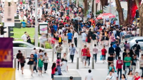 vidéos et rushes de scène animée rue orchard road - singapour