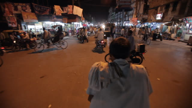 pov ws busy road from inside of motor trishaw / varanasi, india - pedicab stock videos & royalty-free footage
