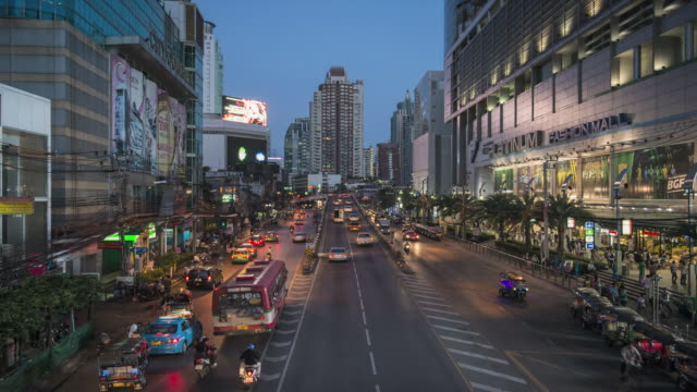 WS T/L Busy road with traffic / Bangkok, Thailand