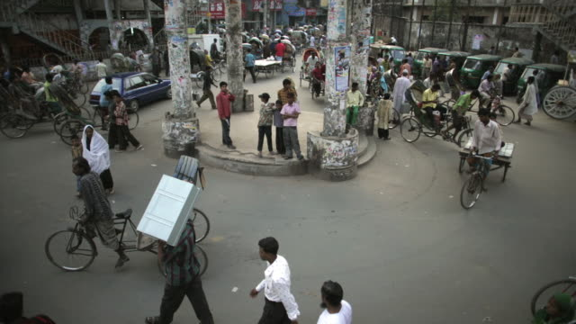t/l, ha, ms, busy roundabout, dhaka, bangladesh - dhaka stock videos & royalty-free footage